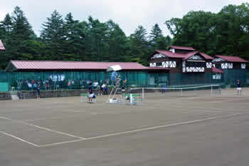 2014futures_tenniscourt
