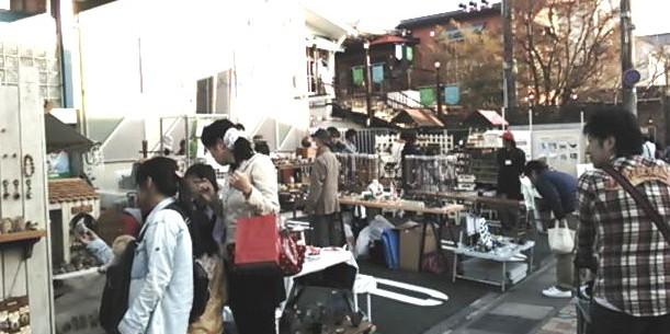 » 軽井沢アート縁日/旧軽井沢軽井沢郵便局前イベントスペース(駐車場)
